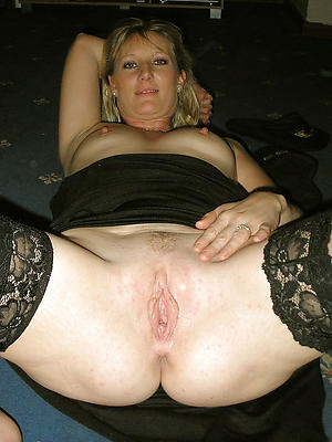nasty mature women in stockings pictures