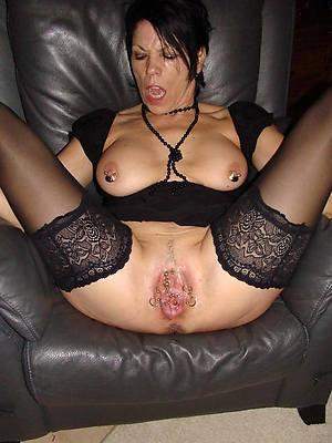 wet old vulva porno pictures
