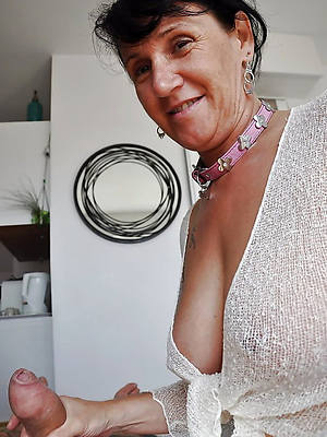 sexy mature handjobs porno pictures