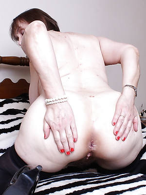 naughty mature older ass porn pictures