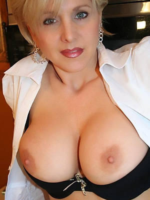 mature hot moms porno pictures