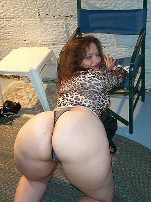 big mature booty nude photo