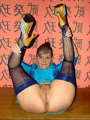 mature pussy in nylons homemade pics