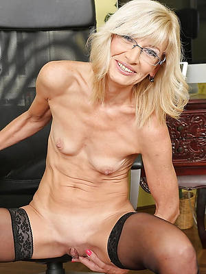 skinny mature naked women porn