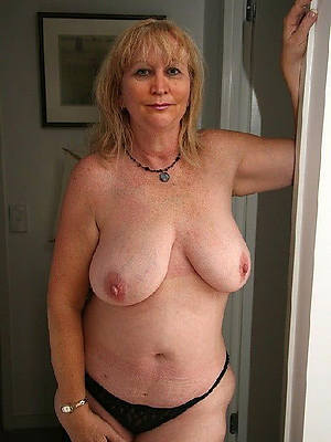 elegant sexy mature column with huge tits