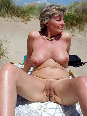 petite mature topless beach pictures