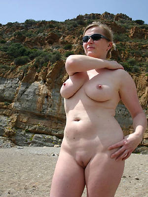 starkers pics of hot matures on the beach