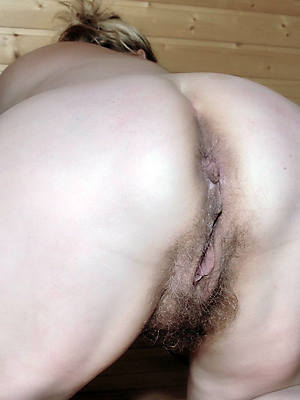 X women displaying soft mature asses