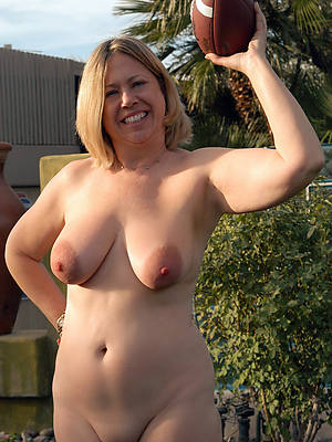 petite unembellished grown up column outdoors amateur porn pics
