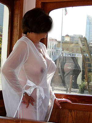 non nude 50 plus grown-up displaying her pussy