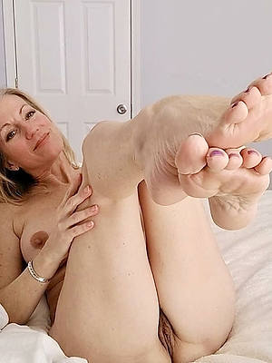 old mature feet naked unprofessional gallery