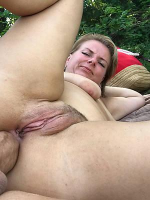grown-up cougar anal pics