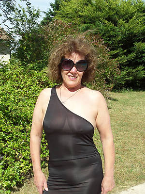 non nude mature pictures