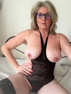free pics be advantageous to naked mature women in glasses
