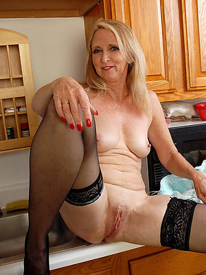 beautiful mature mom pussy porn