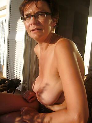 nasty amateur mature in glasses pics
