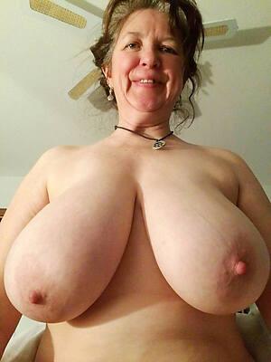 mini mature lady boobs pics