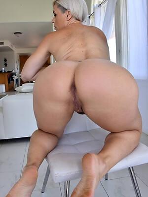unorthodox big booty mature milfs porn