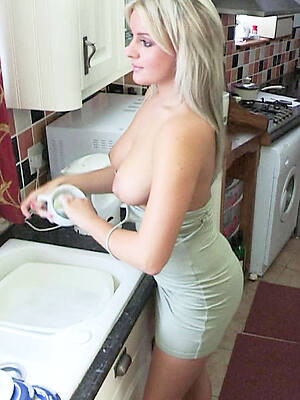 wet matured housewife pussy pictures