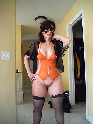 reality amateur mature tits pictures