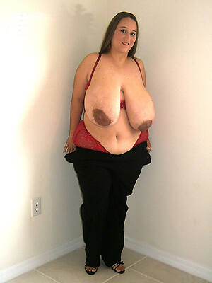 naked pics for natural floppy mature tits