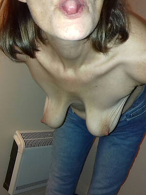 floppy mature boobs pictures