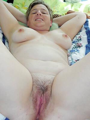 free pics of white mature woman