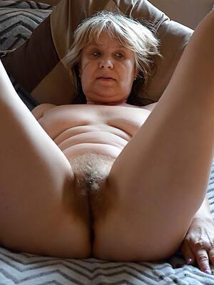 free porn mature hairy pics