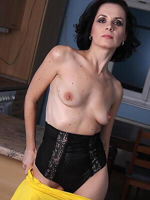 gaffer mature brunette galleries