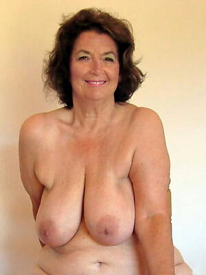 Bohemian pics be worthwhile for mature brunette mom
