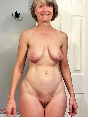 Amatuer Porn Of Women - Homemade Mature Porn, Mature Porn Photos, Naked Women Pics
