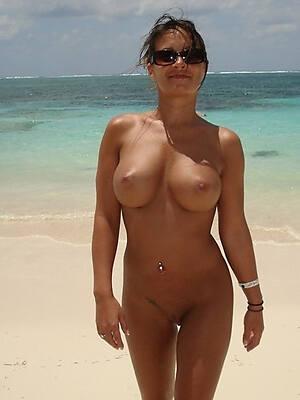 hot mature column on seaside pics