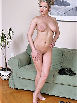 busty grown up nude gorgeous women