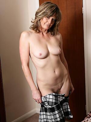 mature erotic models pictures