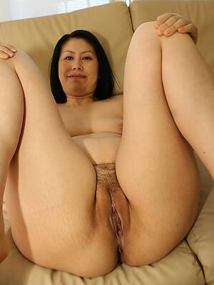 amazing mature asian pic