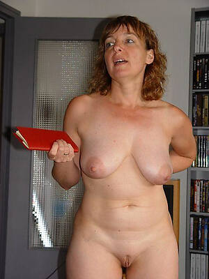 mature housewives uk displaying say no to pussy