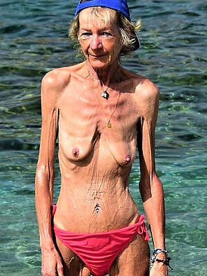 skinny mature small tits dilettante porn pics