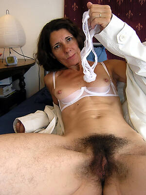 hot sexy unshaved pussy unclothed photo