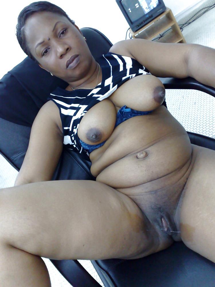 Amateur Ebony Threesome Anal