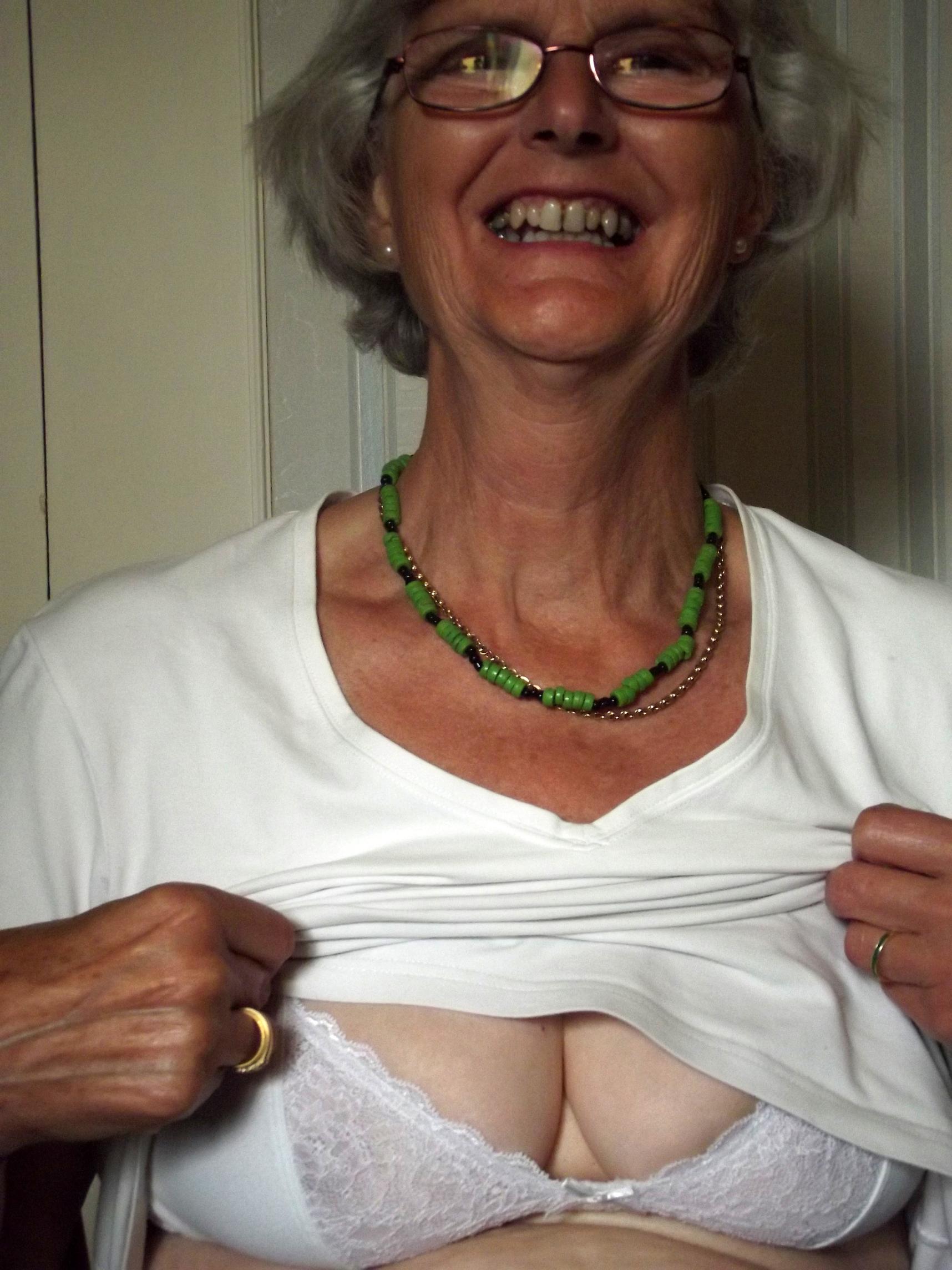 amateur homemade granny