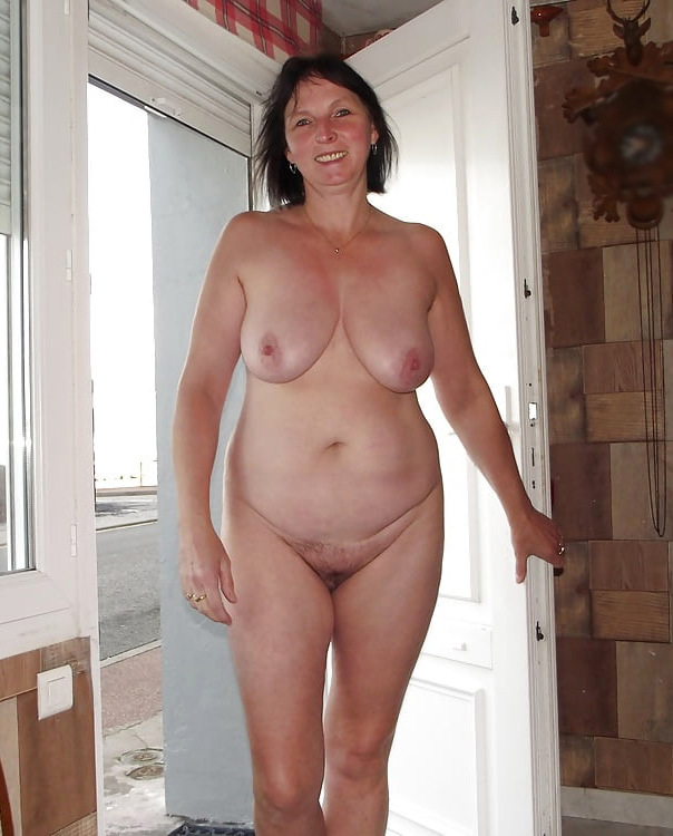 Single Women Porn - Beautiful single grown-up women porn photos ...