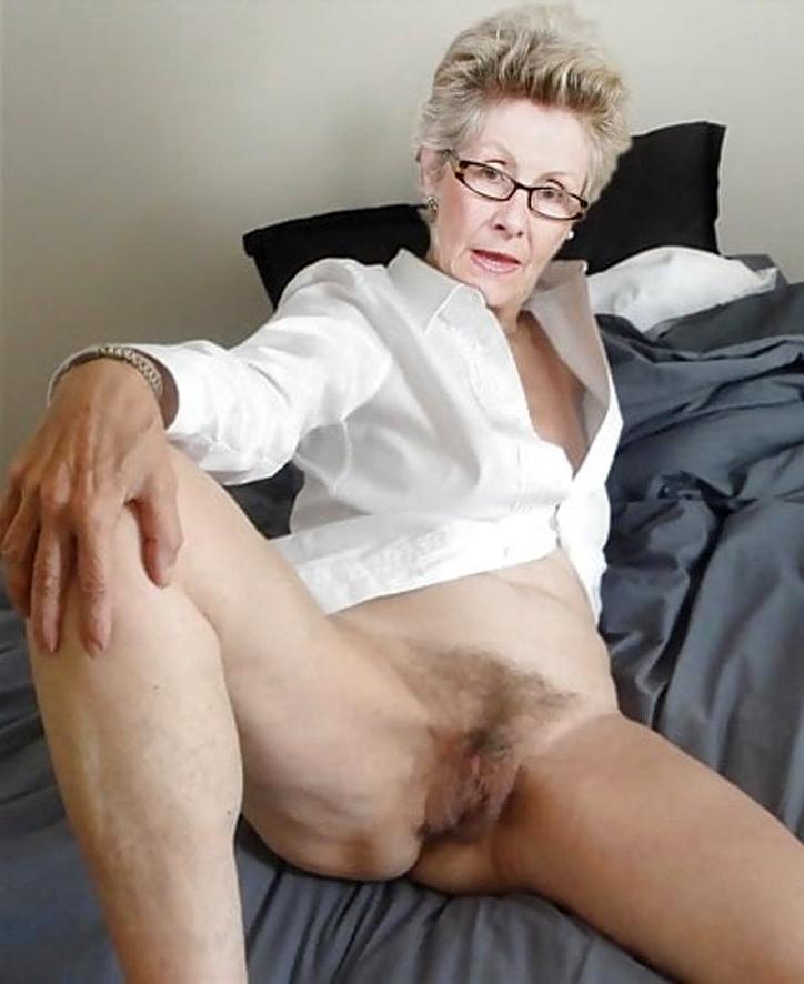 Desi auntie nude bum