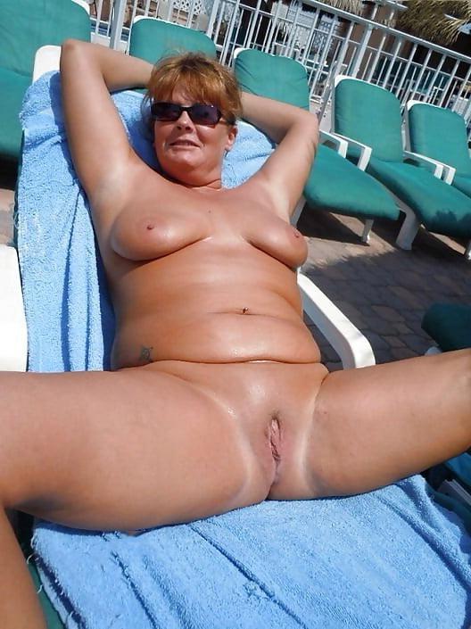 Amberly banks naked
