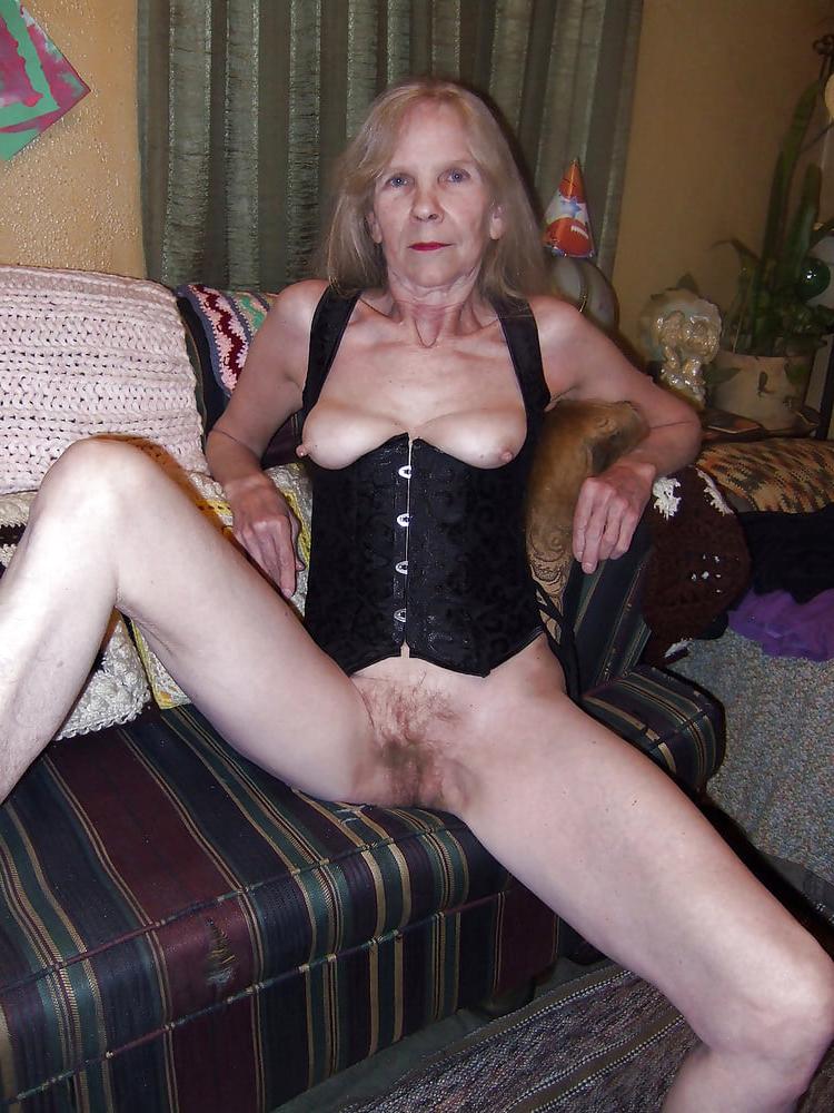 Scarlett sage naked