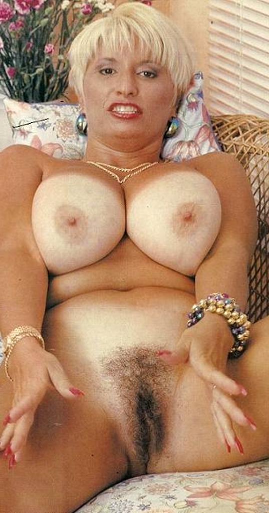retro nude vintage moms