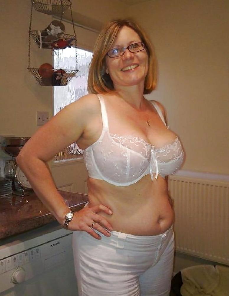 Nude girl titties gifs pleasures herself