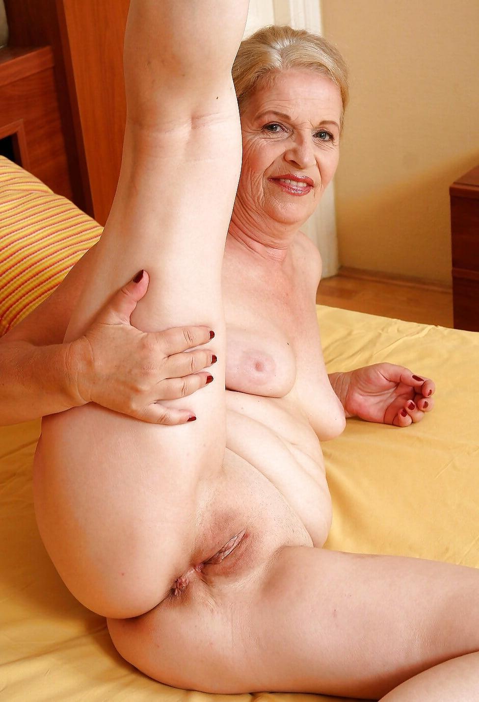 Hot nude grannies