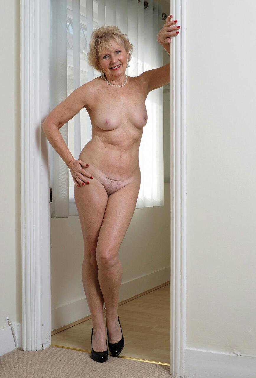 Teen thai iniversity girls nude