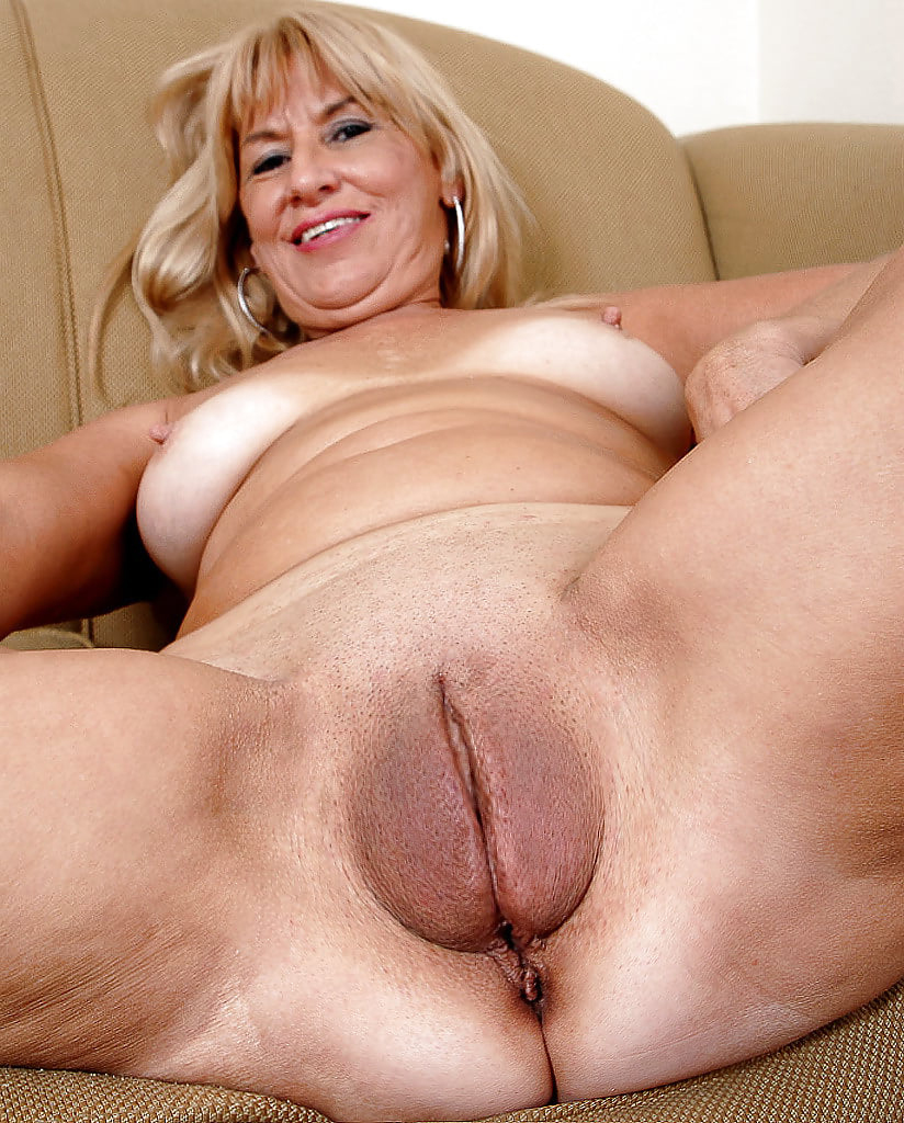 Sunny leone porn photoshoot