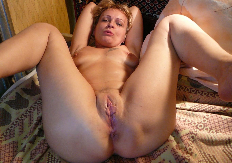 play with cocks nude amisha